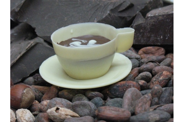 Чайный сервиз из шоколада