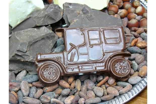 Шоколадная машина для мальчика, авто порадует сына, внука, брата, племянника