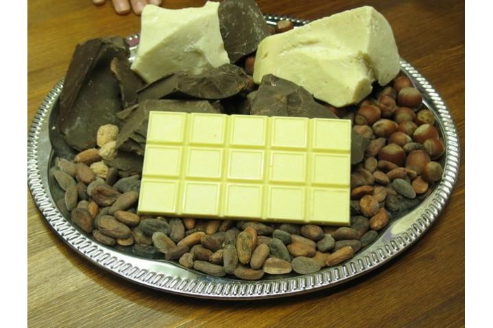Плитка шоколада (белый)